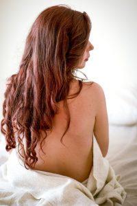Les poux et les lentes adorent se loger dans les cheveux